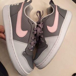 Nike girl's size 4.5Y